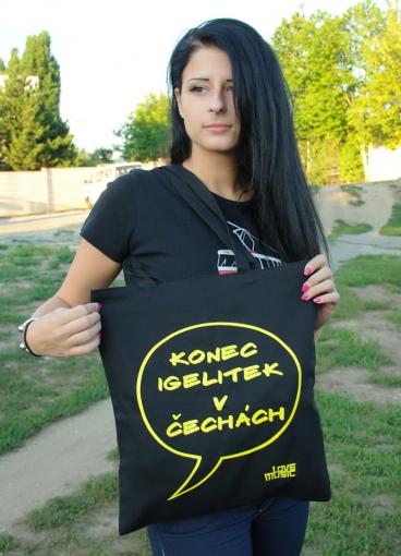 Konec igelitových tašek v Čechách