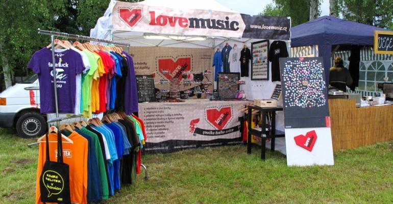Lovemusic opět navštíví české hudební festivaly