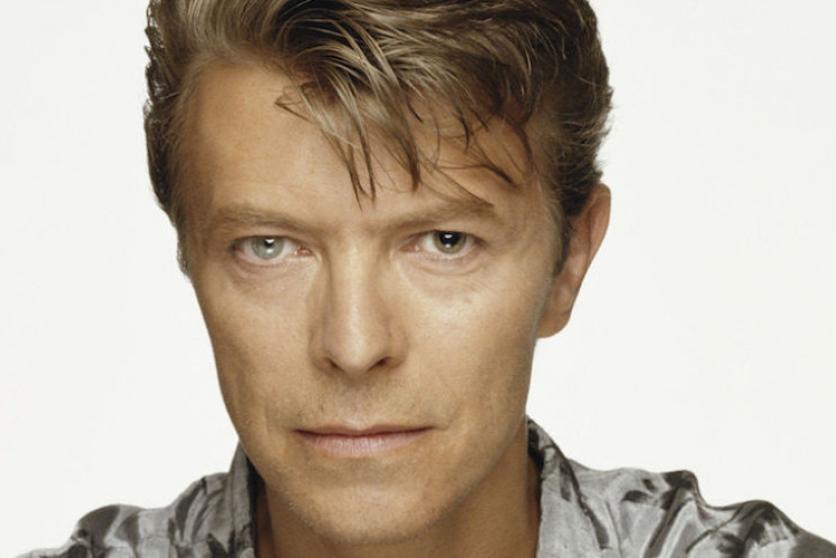 Dlouhé prsty Davida Bowieho